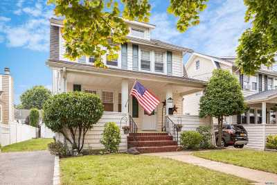 Lynbrook Single Family Home For Sale: 18 Duryea Pl
