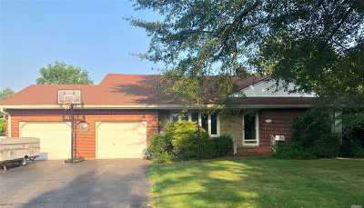 Single Family Home For Sale: 56 Dowsing Pl