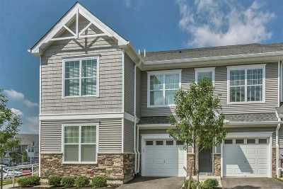 Huntington Condo/Townhouse For Sale: 2008 Townhome Way #B
