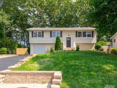 Smithtown Single Family Home For Sale: 41 Nowick