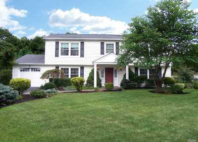 S. Setauket Single Family Home For Sale: 61 Long Meadow Pl
