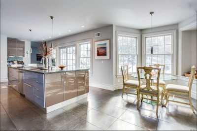 Roslyn Single Family Home For Sale: 720 N Motts Cove Rd