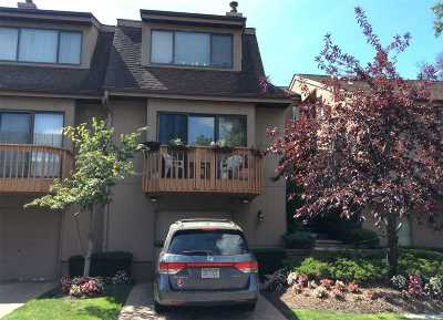 Woodmere Condo/Townhouse For Sale: 2 Clubside Dr