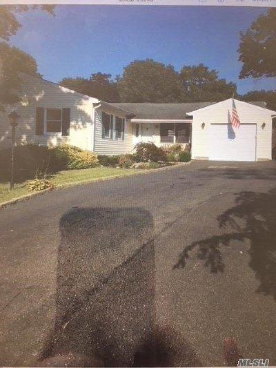 Medford Single Family Home For Sale: 185 Maple St