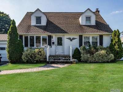 Hicksville Single Family Home For Sale: 244 Lee Ave