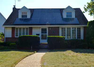 East Meadow Single Family Home For Sale: 240 Bernice Dr