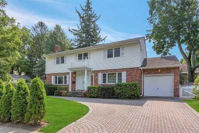 Port Washington Single Family Home For Sale: 40 Bayview Ave