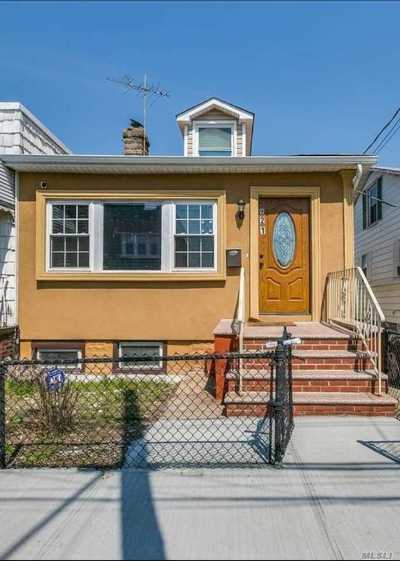 Brooklyn Single Family Home For Sale: 921 E 88th St