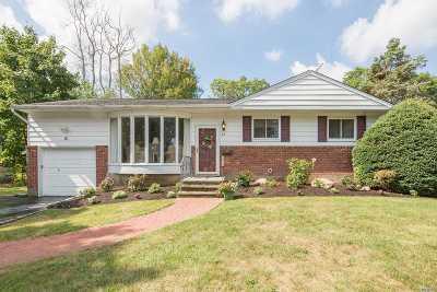 Huntington Single Family Home For Sale: 61 Cornehlsen Dr