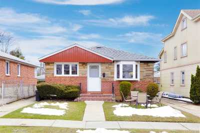Fresh Meadows Single Family Home For Sale: 6915 169 St