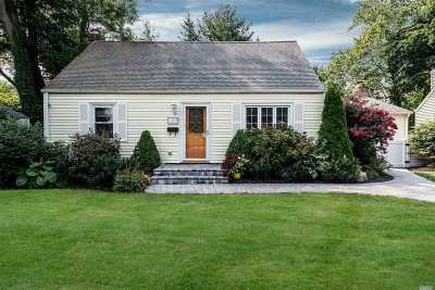 Locust Valley Single Family Home For Sale: 107 Valley Ave