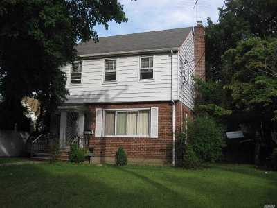 Nassau County Single Family Home For Sale: 88 Elmont Rd
