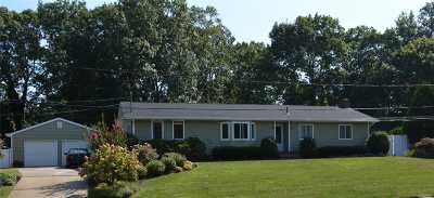 East Moriches Single Family Home For Sale: 28 Linda Ln