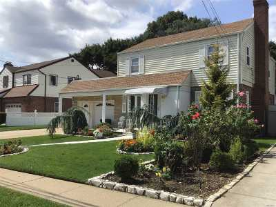 Malverne Single Family Home For Sale