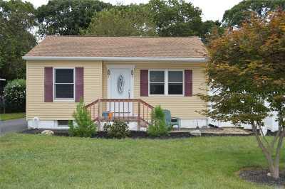 Farmingville Single Family Home For Sale: 105 Pinedale Ave