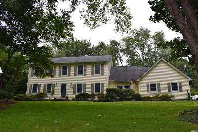 Setauket Single Family Home For Sale: 31 Buccaneer Ln