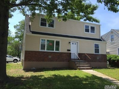 Lynbrook Multi Family Home For Sale: 134 Scranton Ave