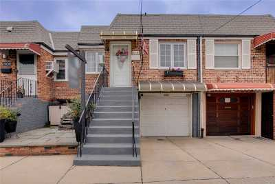 Middle Village Single Family Home For Sale: 61-11 65th St