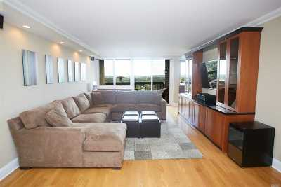 Bayside Condo/Townhouse For Sale: 2 Bay Club Dr #17L