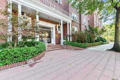 Forest Hills Condo/Townhouse For Sale: 111-14 76th Ave #301