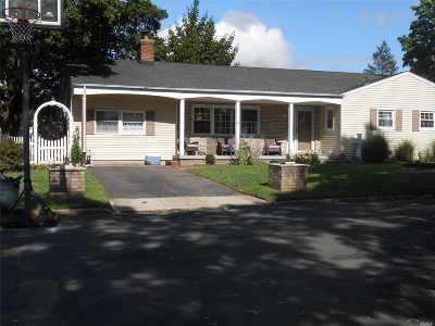 Deer Park Single Family Home For Sale: 295 E 1st St