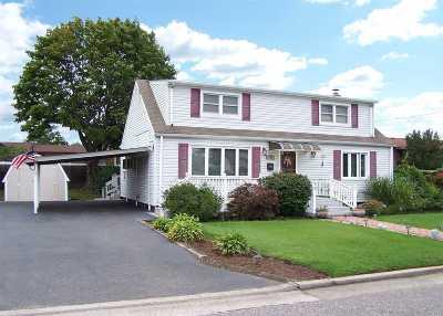 Copiague Single Family Home For Sale: 224 West Dr