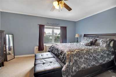 Middle Village Single Family Home For Sale: 58-24 79th St