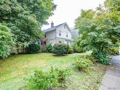 Huntington Single Family Home For Sale: 190 W Pulaski Rd