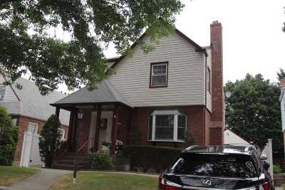 Bayside Single Family Home For Sale: 58-35 218th St