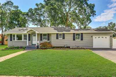 West Islip Single Family Home For Sale: 60 Udalia Rd