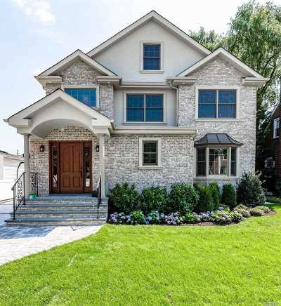 Mineola Single Family Home For Sale: 55 Fairfield Ave