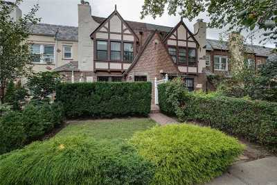 Forest Hills Single Family Home For Sale: 68-37 Ingram St