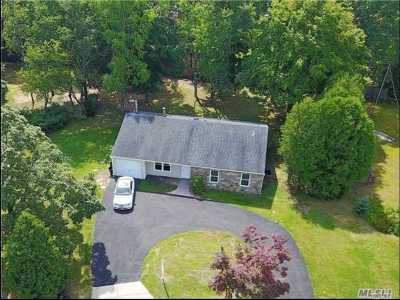 Stony Brook Single Family Home For Sale: 4 Lynridge Ct