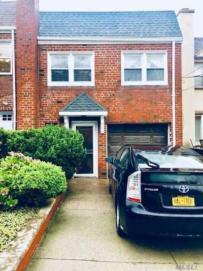 Middle Village Single Family Home For Sale: 5740 81 St