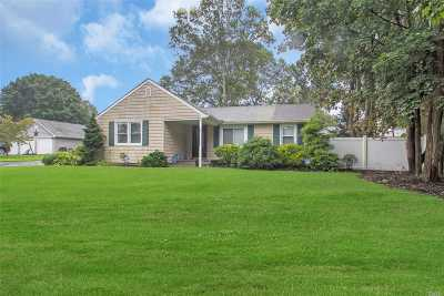 Nesconset Single Family Home For Sale: 164 Lillian Rd