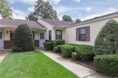 Stony Brook Condo/Townhouse For Sale: 66 Knolls Dr