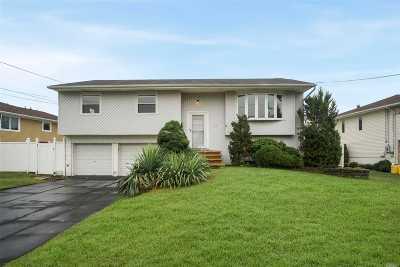 Massapequa Single Family Home For Sale: 17 Comet Ln
