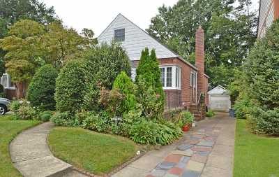 Fresh Meadows Single Family Home For Sale: 67-40 184th St