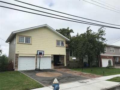Cedarhurst Single Family Home For Sale: 667 Park Ln