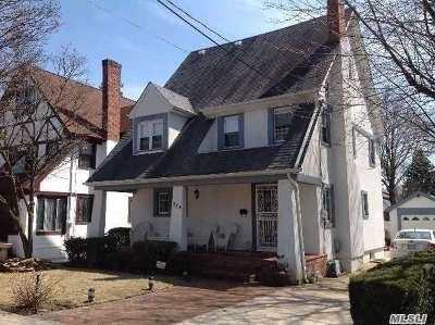 Malverne Single Family Home For Sale: 224 Rider