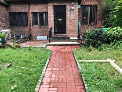 Forest Hills Single Family Home For Sale: 67-14 Groton St