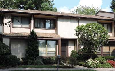 Melville Condo/Townhouse For Sale: 45 Schwab Rd