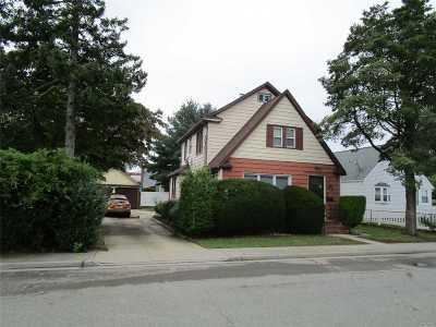 Hicksville Single Family Home For Sale: 4 Milton St