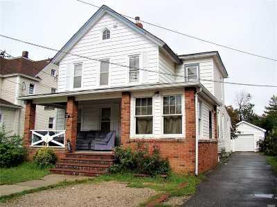 Freeport Single Family Home For Sale: 215 Church St