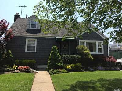 Baldwin Single Family Home For Sale: 1132 Atlantic Ave