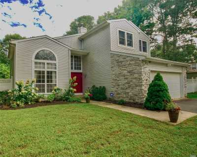 Lake Grove Single Family Home For Sale: 7 Sweet Briar Path