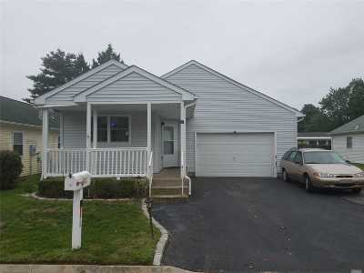 Manorville Single Family Home For Sale: 26 E Village Cir