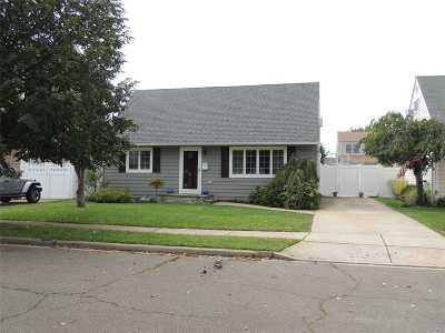 Nassau County Single Family Home For Sale: 2474 Freeport St