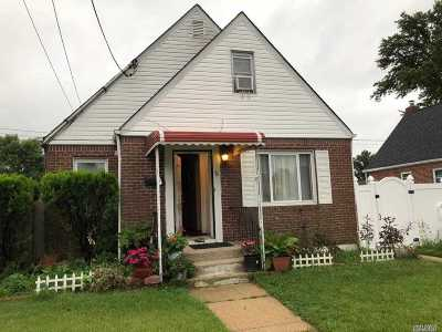Nassau County Single Family Home For Sale: 78 Cliff Ave