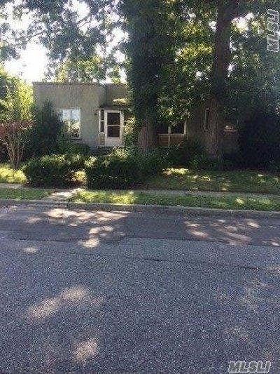 Nassau County Single Family Home For Sale: 42 Frankel Blvd